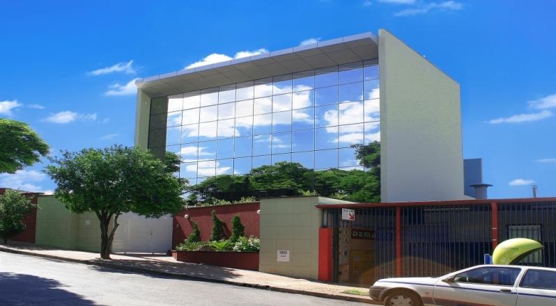 Fabricante de Fachada de Vidro Comercial Cocais - Fachada de Vidro com Madeira
