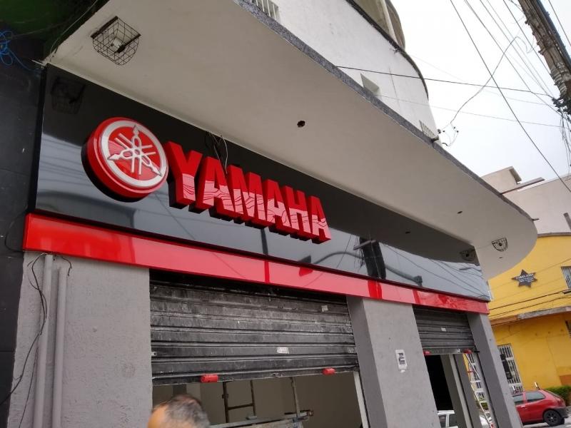 Fachada de Acm e Acrilico Valor Araçatuba - Fachada em Acm com Adesivo