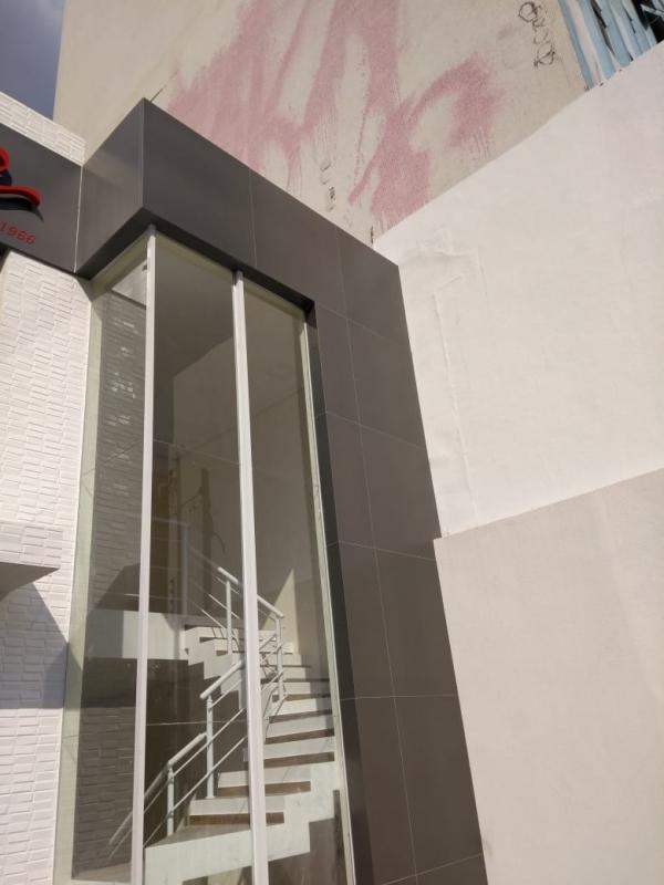 Fachadas de Vidro Comercial Itu - Fachada de Vidro com Madeira