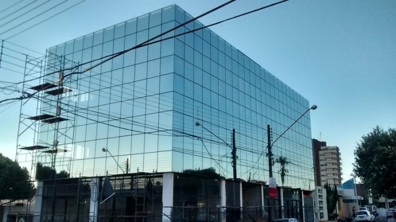 Instalação de Fachada de Vidro Refletivo São Sebastião - Fachada de Vidro para Loja