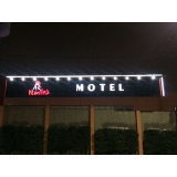 fachada de hotel luminoso preço Rio Claro