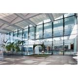 fachada com vidro insulado