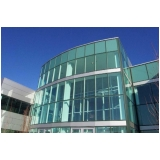 fachada de vidro temperado verde Batatuba