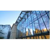fachada em vidro temperado Praia da Baleia